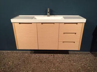 Mueble y lavabo ceramico baño