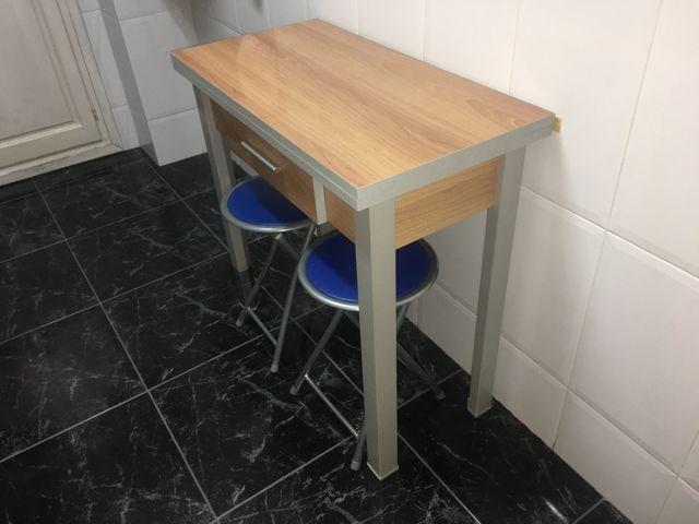 Mesa cocina extensible con cajón de segunda mano por 70 € en Mislata ...