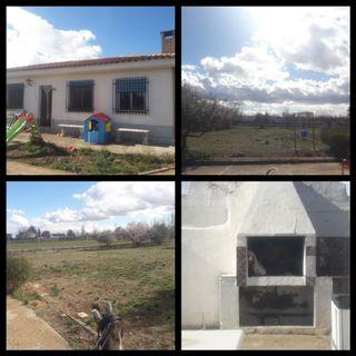 Casa con terreno en Pinseque