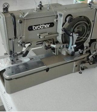 Maquina coser ojales