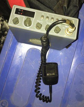 Emisora cb Intek FM548SX y Antena Santiago 1200