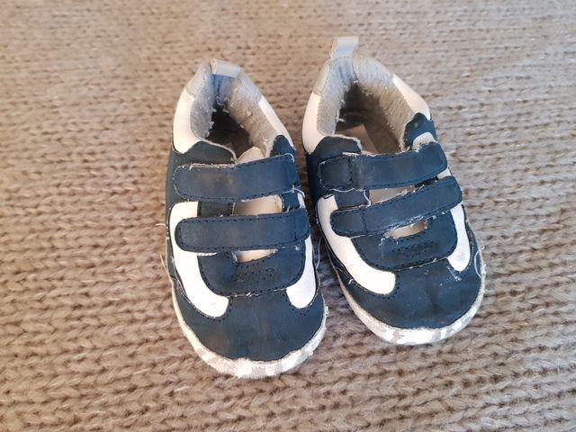 1958eb5bc Zapatos bebe talla 9-12 meses. de segunda mano en Espinardo en WALLAPOP