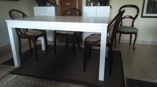 Mesa de comedor extensible de IKEA. Modelo BJURSTA