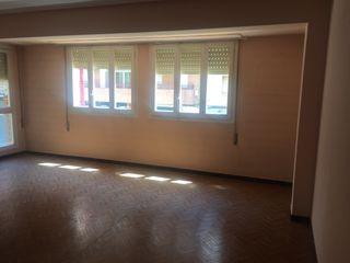 Vendo piso grande y luminoso
