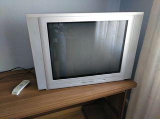 "se vende tv de tubo plana 32"""
