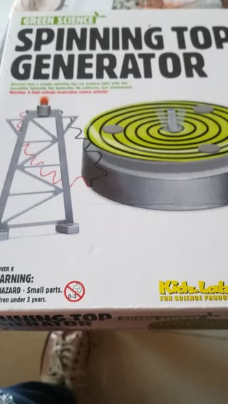 Spinning top generator