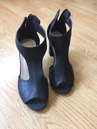 Zapato - Botin. NUEVO