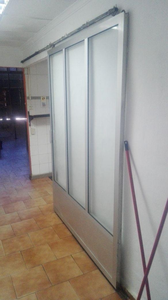 puertas aluminio madera hierro