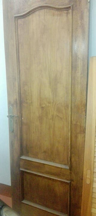 Puerta de madera de pino