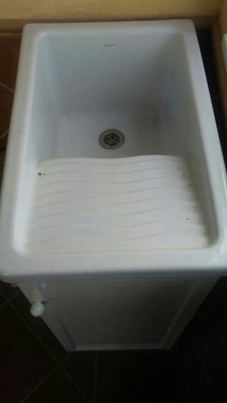 Pila lavabo con mueble de aluminio