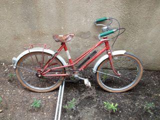 Bicicleta antigua infantil