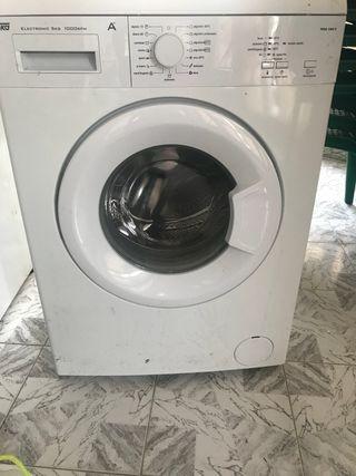 Lavadora casi nueva muy poco uso