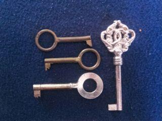 Lote de 4 llaves de armario antiguas INDAUX
