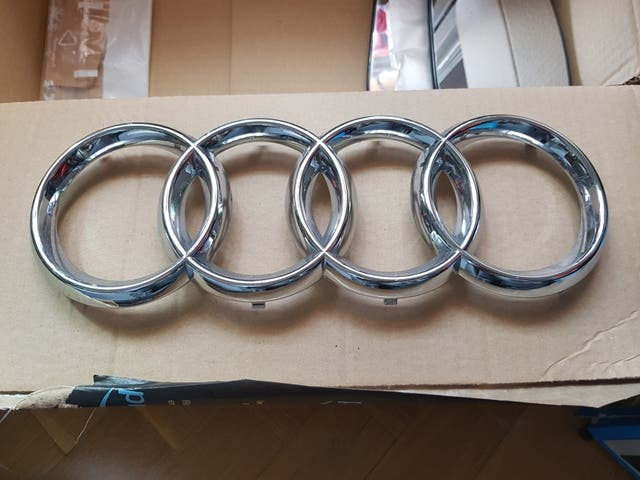 insignia rejilla Audi