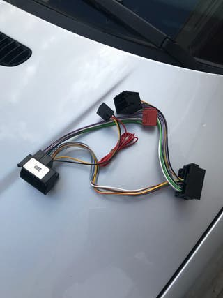 BMW Serie 3 cable iso parrot