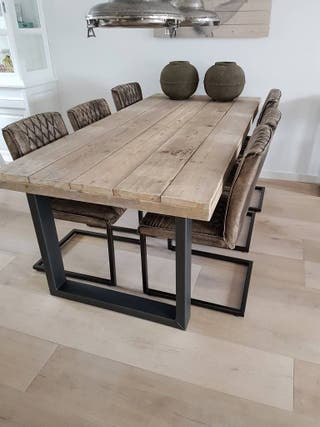 mesas vintage en madera maciza y patas metal