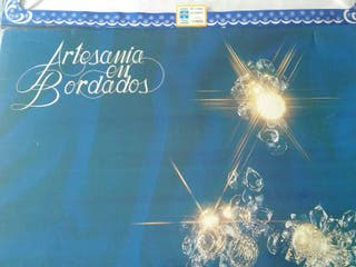 JUEGOS DE SÁBANAS ANTIGUAS BORDADOS ARTESANALES