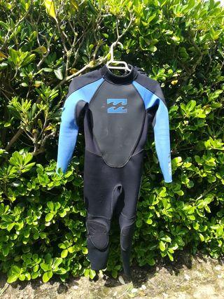 2 trajes de surf
