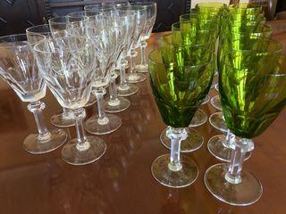 24 copas talladas de cristal de Bohemia