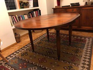 Mesa de comedor con 4 sillas . Extensible
