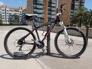 """Bicicleta de montaña CONOR 7200 27,5"""" (2014)"""