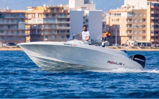 Alquiler barco nuevo con titulín desde 180€