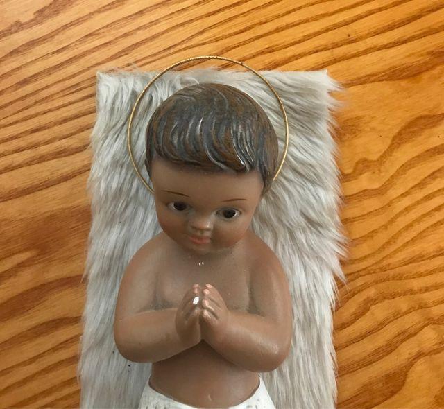 Nacimiento niño jesus escultura