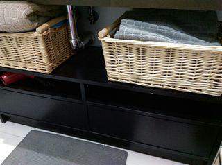 mueble de tv y estanteria a juego.