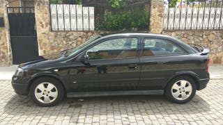 Opel Astra G color Negro