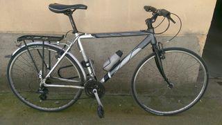 Bicicleta Conor hibrida ciudad / cicloturismo