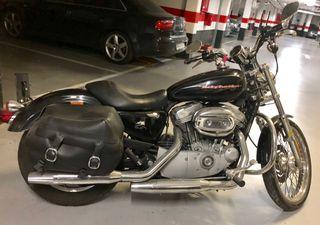 Moto HARLEY DAVIDSON SPORSTER 883