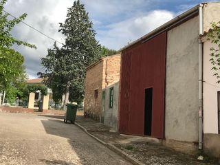 Edificio en Cendejas deEnmedio