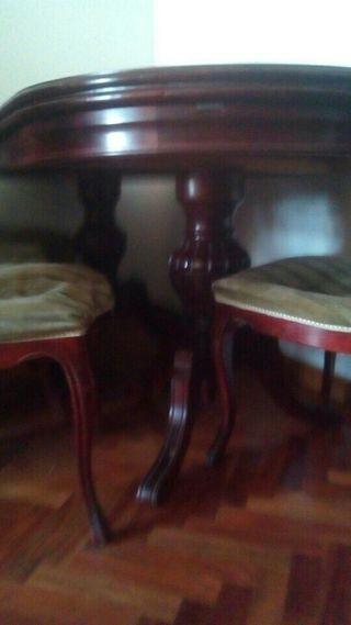 mesa de madera (comedor)