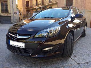 Opel Astra ST/ dic.2014 /Motor 1.6. 110cv.