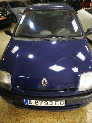 Renault Clio 2000