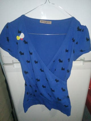 camiseta azul manga corta