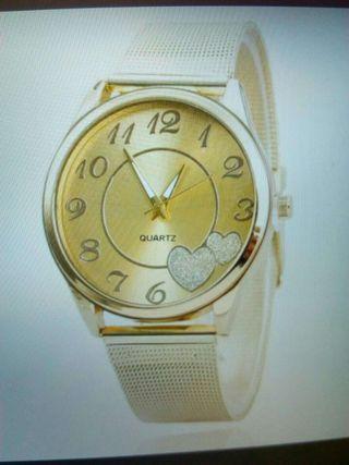 Relojes nuevos muy bonitos