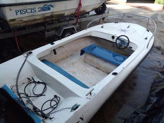 Casco de barco de fibra