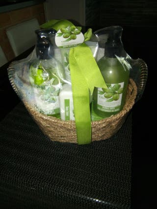 cesta de regalo baño