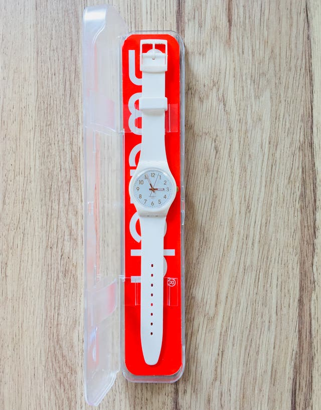 Montre Swatch femme silicone blanc Original.