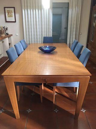 URGE - Mesa de comedor roble extensible