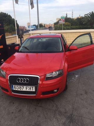 Audi A3 2.0 Ambition Rojo, techo solar y teléfono