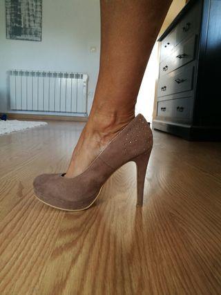 zapato d tacón. número 40