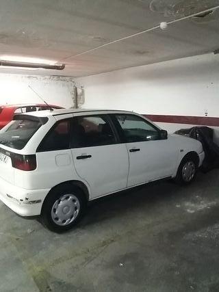 Seat Ibiza 1999 blanco 5 puertas gasolina