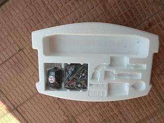 Kit repara pinchazos con bomba y líquido
