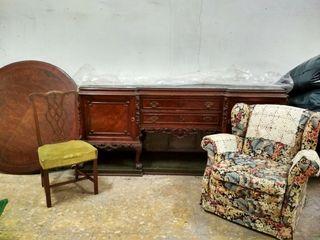 Conjunto mesa + 6 sillas + aparador + 2 sillones