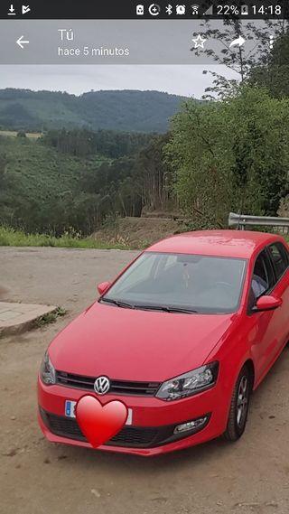 Volkswagen Polo noviembre 2013 rojo
