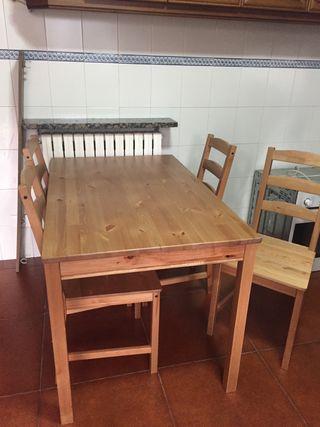Mesa de madera Sin sillas