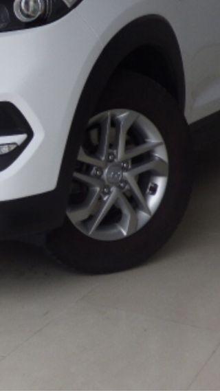 Hyundai Tucson 2018 llantas y neumaticos las 4!!