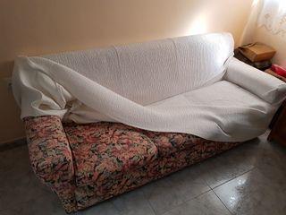 Sofa de tres plazas